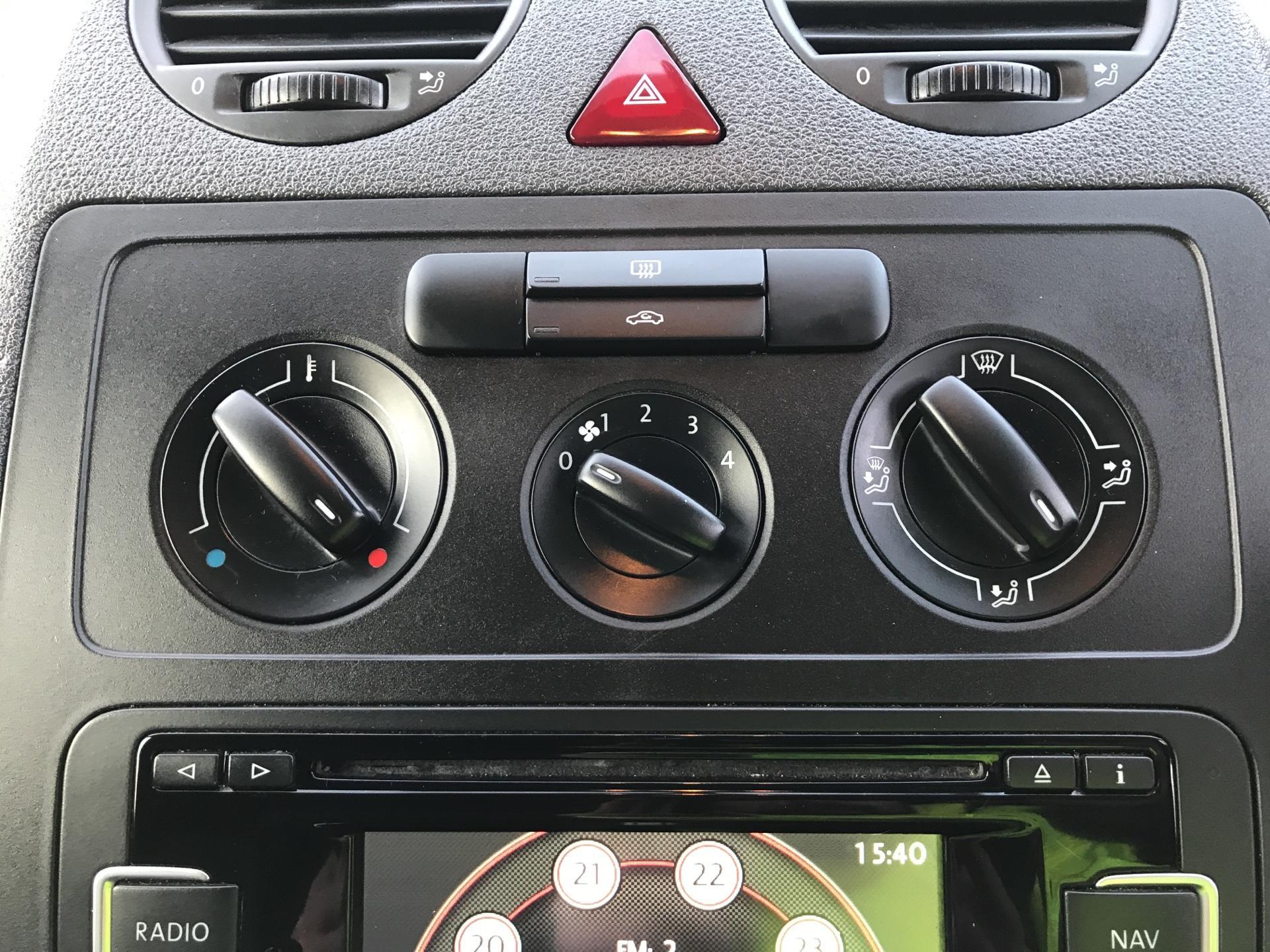 2015 Volkswagen Caddy  1.6 102PS STARTLINE EURO 5 (GL64YJP) Image 19