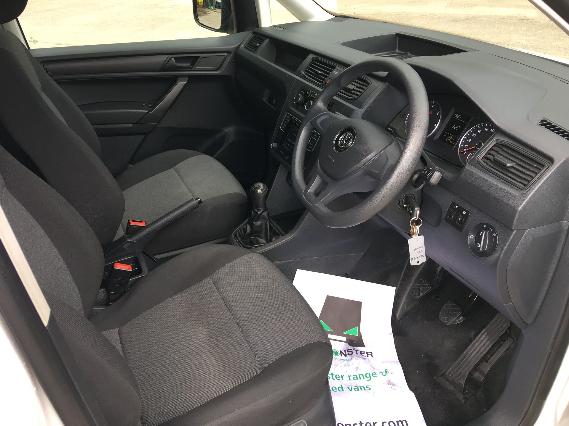 2016 Volkswagen Caddy 2.0 TDI 102PS BMT STARTLINE EURO 6 (GL66NUJ) Image 2