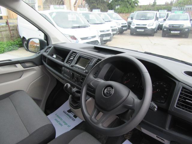 2016 Volkswagen Transporter  T30 SWB DIESEL 2.0 TDI BMT 102 STARTLINE VAN EURO 6 (GL66PXX) Image 3