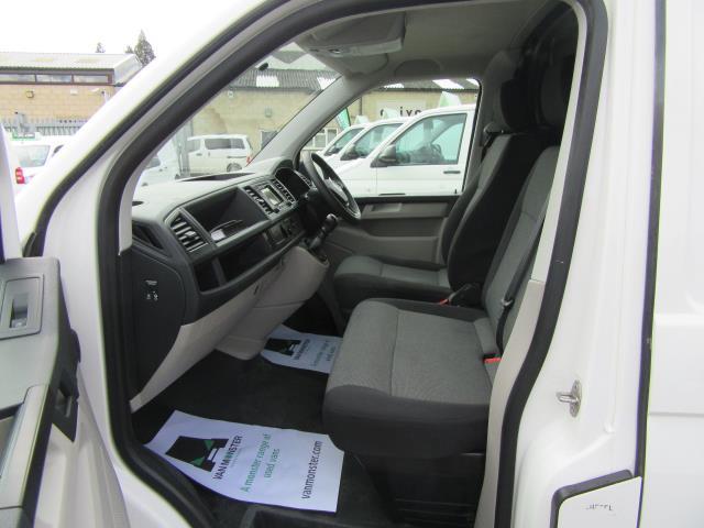 2016 Volkswagen Transporter  T30 SWB DIESEL 2.0 TDI BMT 102 STARTLINE VAN EURO 6 (GL66PXX) Image 13