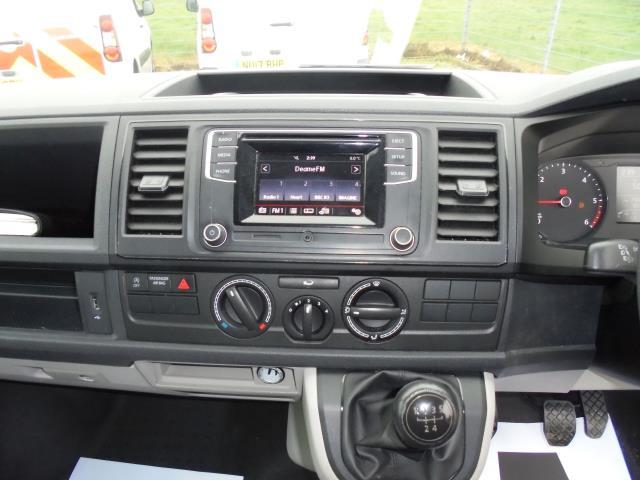 2016 Volkswagen Transporter T28 SWB DIESEL 2.0 BMT 102 STARTLINE VAN EURO 6 (GL66PYF) Image 8