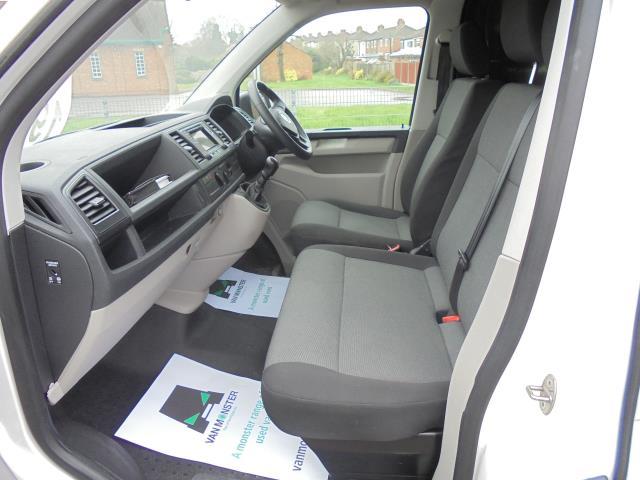 2016 Volkswagen Transporter T28 SWB DIESEL 2.0 BMT 102 STARTLINE VAN EURO 6 (GL66PYF) Image 18