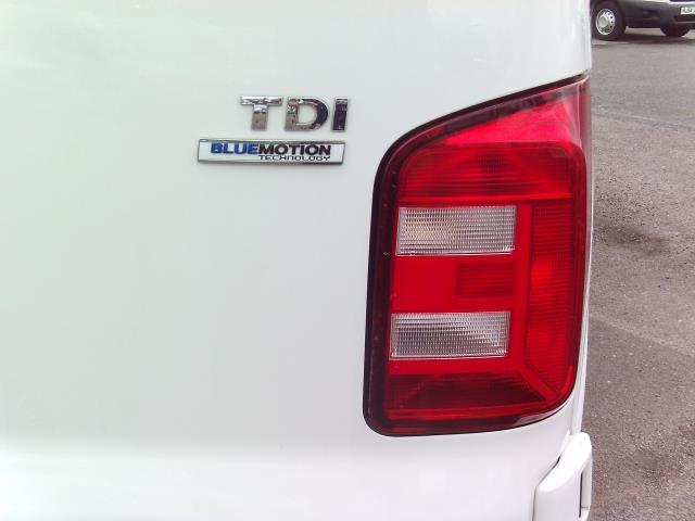 2016 Volkswagen Transporter T28 SWB DIESEL 2.0 TDI BMT 102 STARTLINE EURO 6 (GL66PZO) Image 12