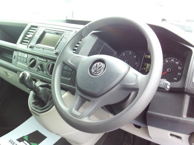 2016 Volkswagen Transporter T28 SWB DIESEL 2.0 TDI BMT 102 STARTLINE EURO 6 (GL66PZO) Image 19