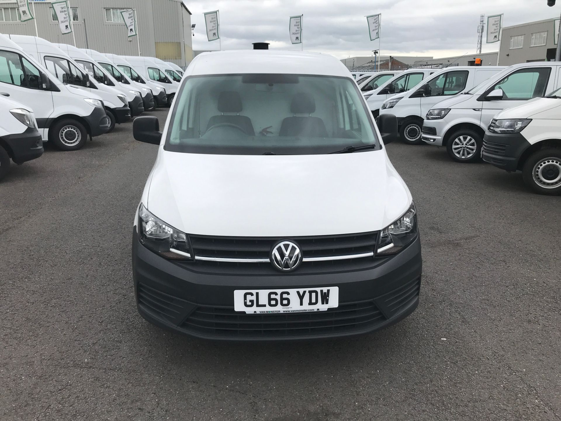 2016 Volkswagen Caddy 2.0TDI BLUEMOTION TECH 102PS STARTLINE EURO 6 (GL66YDW) Image 2