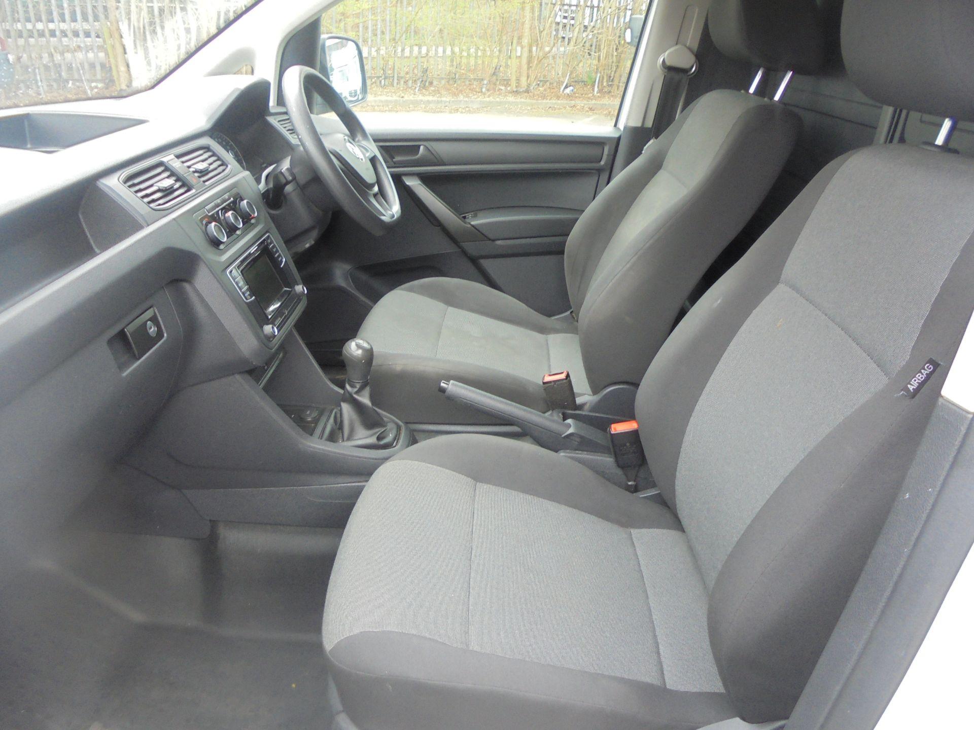 2016 Volkswagen Caddy Maxi 2.0 Tdi Bluemotion Tech 102Ps Startline Van (GL66ZDU) Image 5