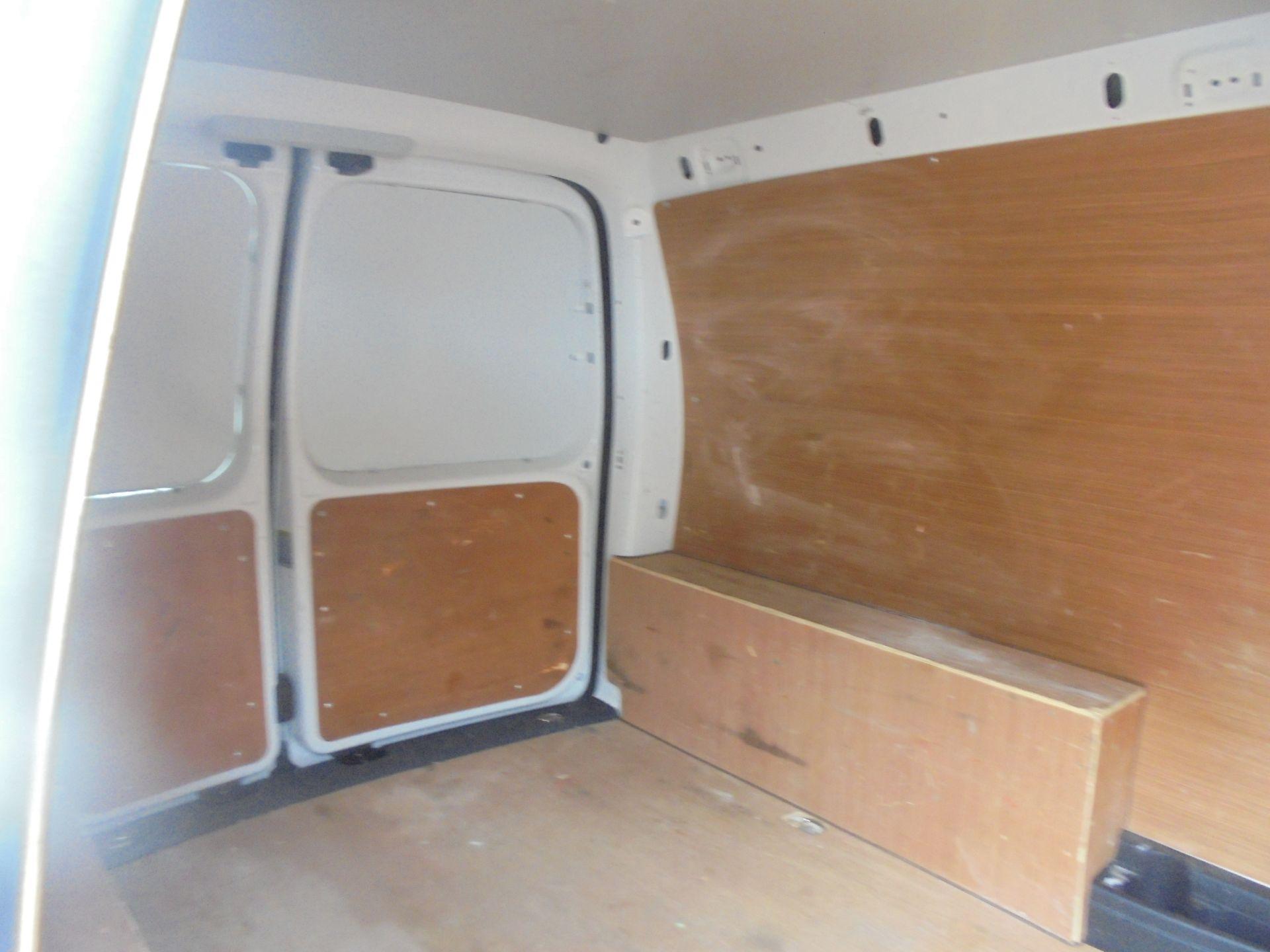 2016 Volkswagen Caddy Maxi 2.0 Tdi Bluemotion Tech 102Ps Startline Van (GL66ZDU) Image 13