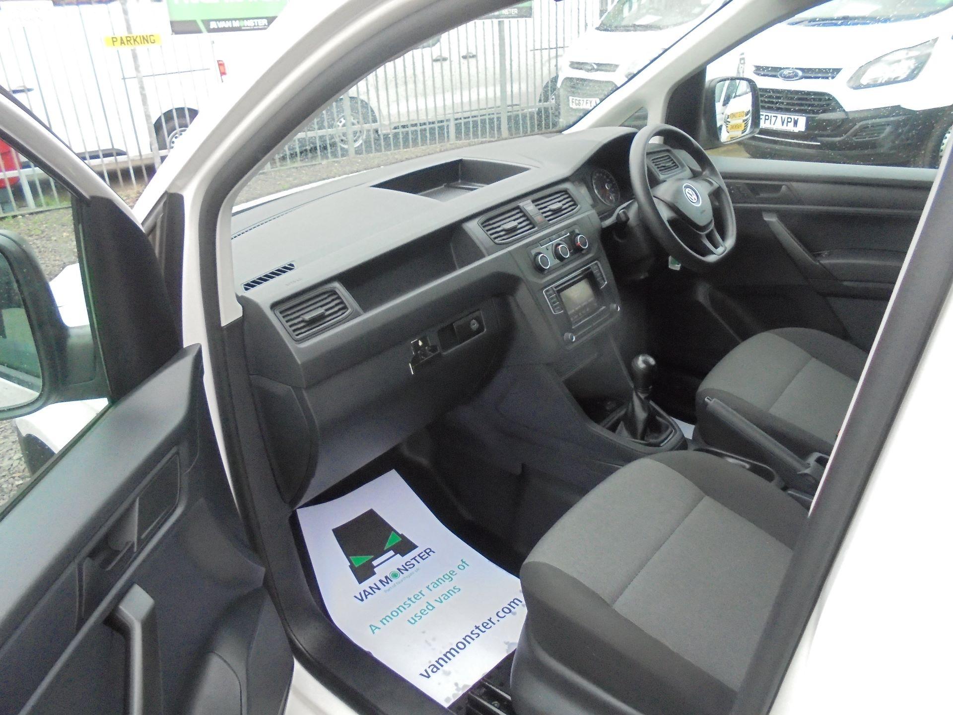 2016 Volkswagen Caddy 2.0 102PS BLUEMOTION TECH 102 STARTLINE EURO 6 (GL66ZDZ) Image 17