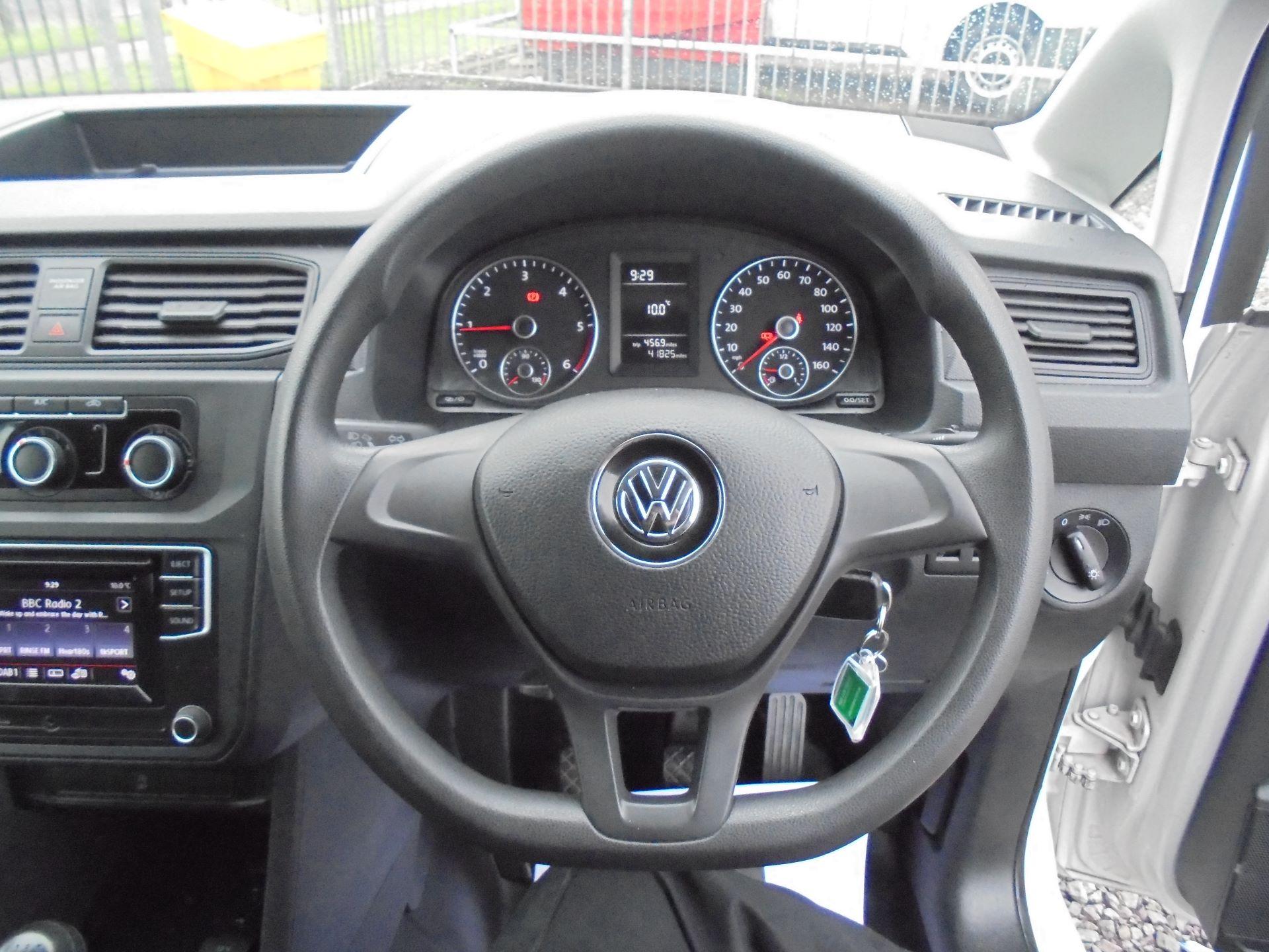2016 Volkswagen Caddy 2.0 102PS BLUEMOTION TECH 102 STARTLINE EURO 6 (GL66ZDZ) Image 14