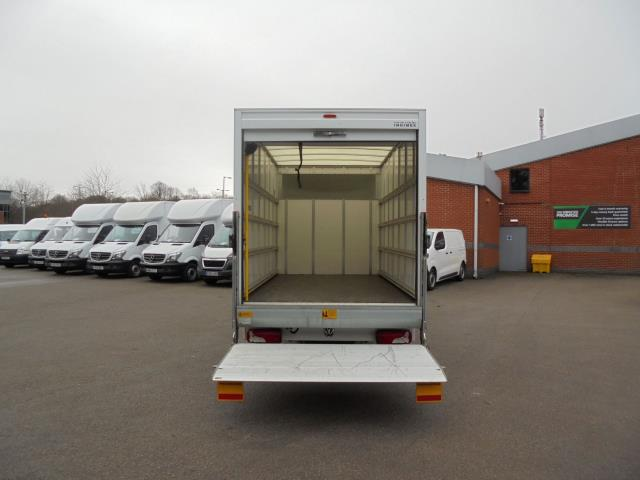 2016 Volkswagen Crafter 2.0 Tdi 136Ps LUTON WITH TAIL LIFT (GL66ZGA) Image 20