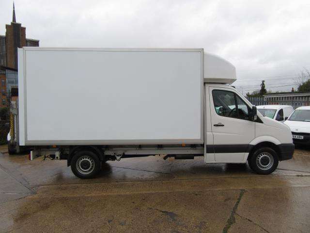 2016 Volkswagen Crafter  CR35 LWB DIESEL 2.0 TDI 136PS LUTON T/L  EURO 5 (GL66ZGD) Image 24
