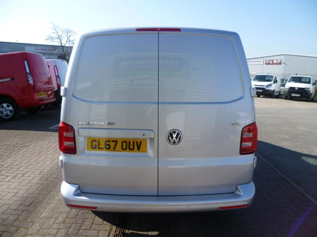 2017 Volkswagen Transporter T28 SWB DIESEL 2.0 TDI BMT 102 HIGHLINE VAN EURO 6  (GL67OUV) Image 6