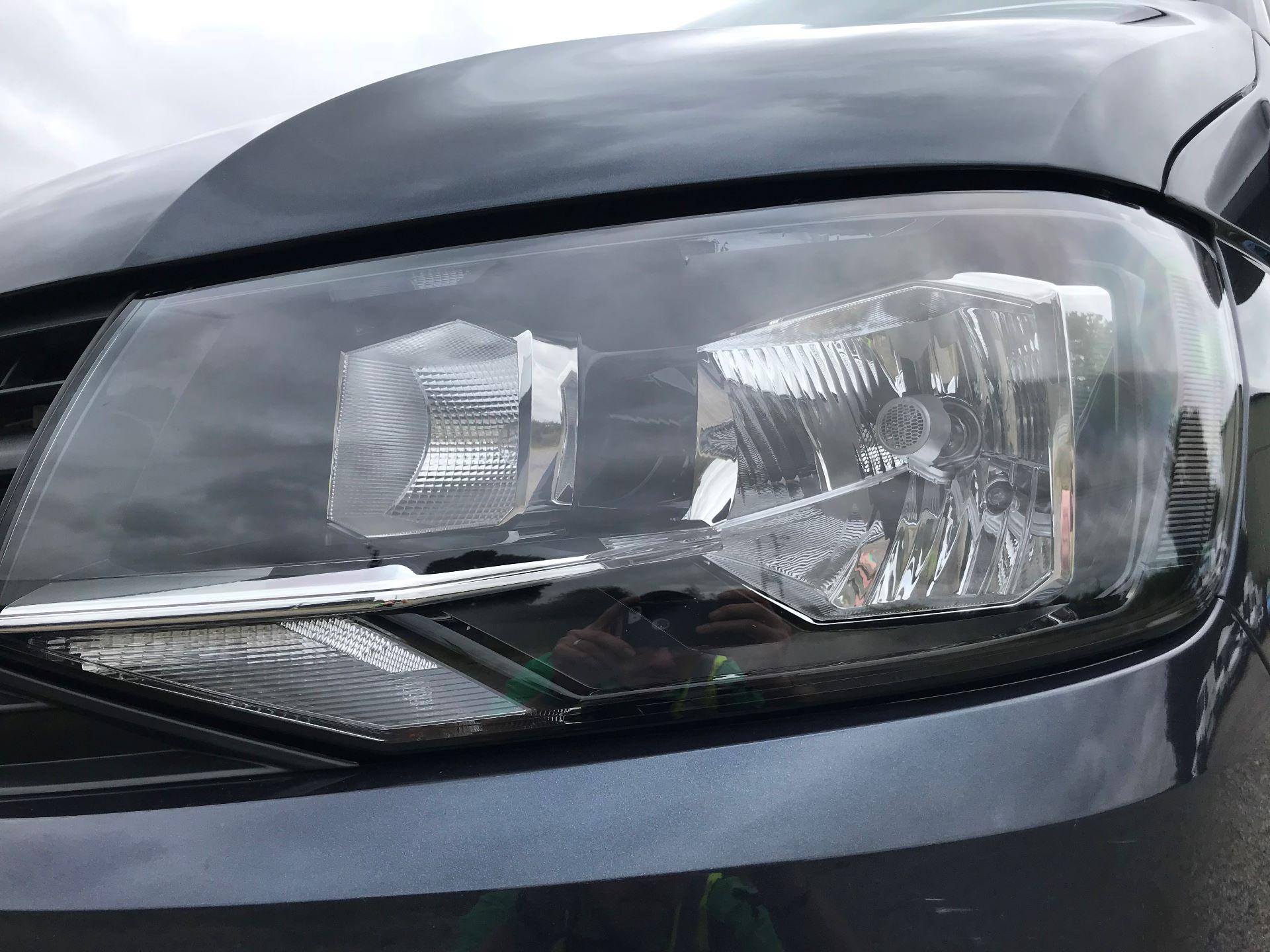 2018 Volkswagen Transporter  T28 SWB DIESEL 2.0 TDI BMT 150 HIGHLINE VAN EURO 6  (GL67THU) Image 18