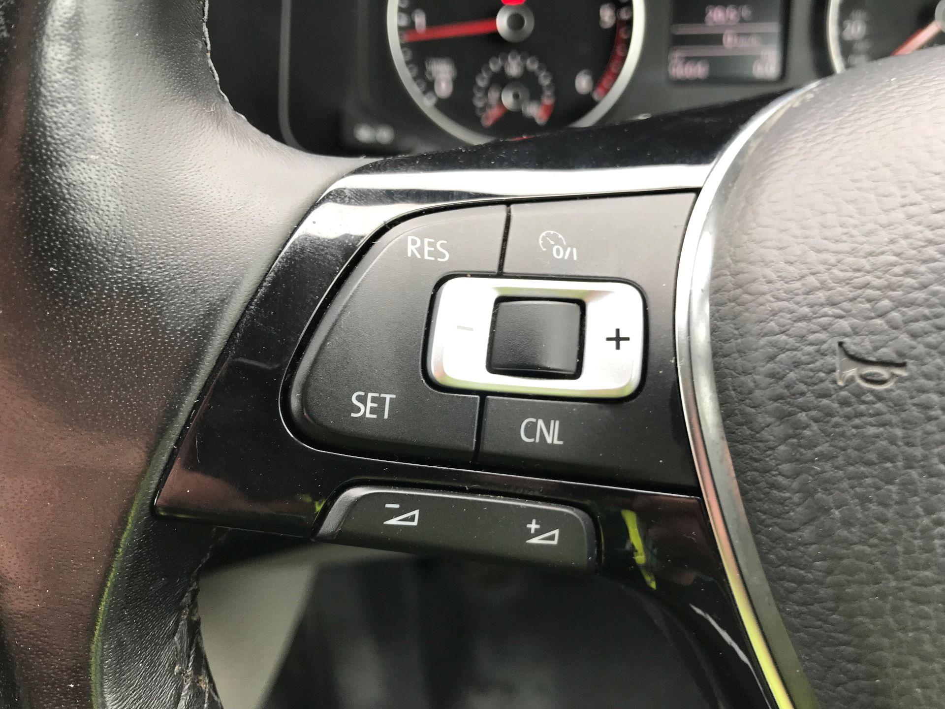 2018 Volkswagen Transporter  T28 SWB DIESEL 2.0 TDI BMT 150 HIGHLINE VAN EURO 6  (GL67THU) Image 27