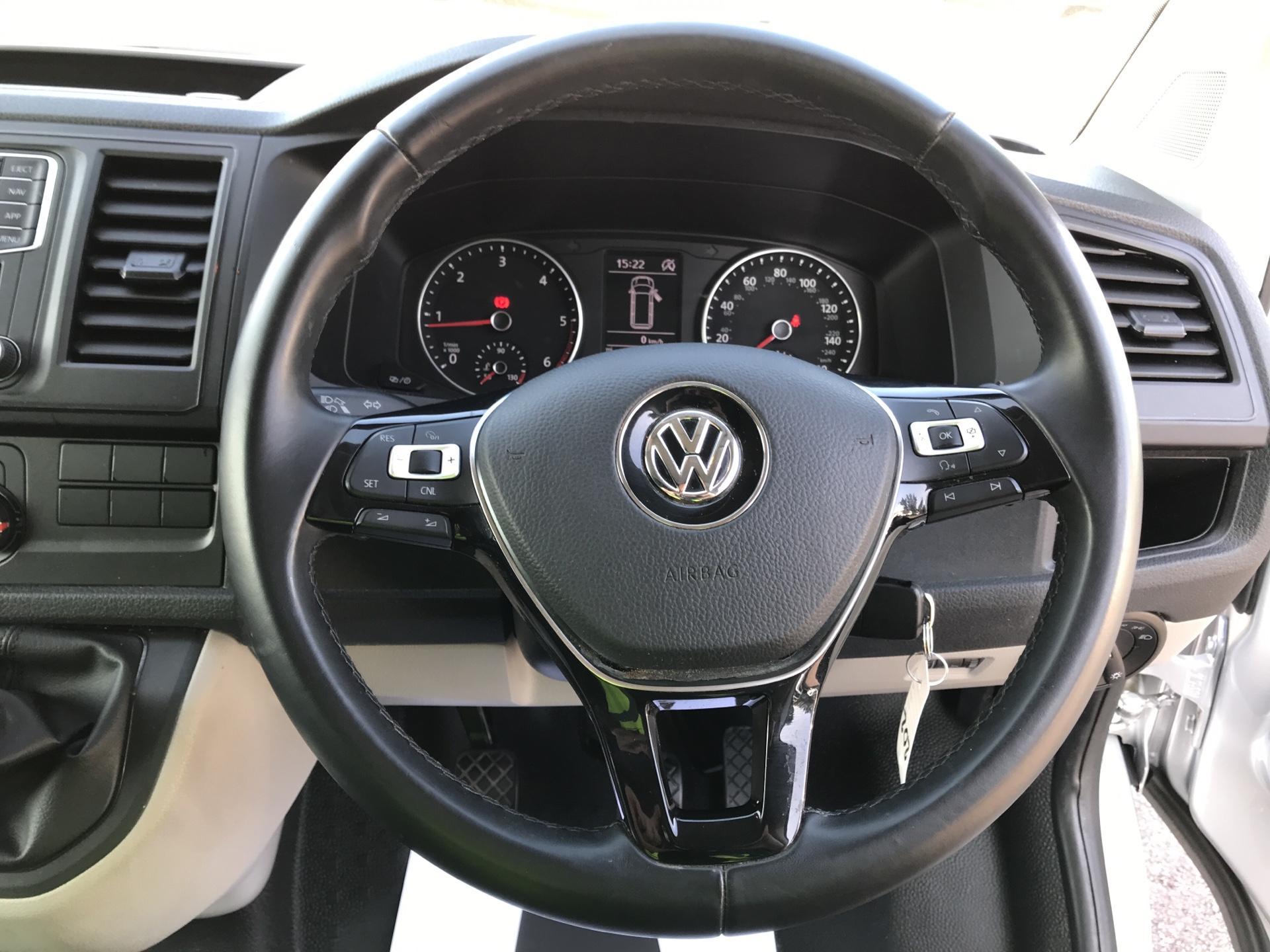 2017 Volkswagen Transporter  T28 SWB 2.0 TDI BMT 102 HIGHLINE EURO 6 (GL67TWZ) Image 12
