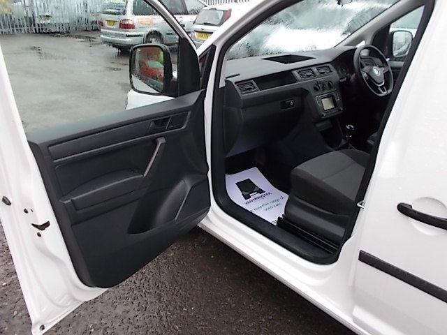 2017 Volkswagen Caddy  2.0 102PS BLUEMOTION TECH 102 STARTLINE EURO 6 (GL67TXO) Image 11