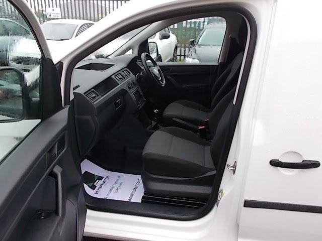 2017 Volkswagen Caddy  2.0 102PS BLUEMOTION TECH 102 STARTLINE EURO 6 (GL67TXO) Image 12
