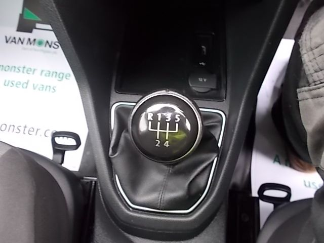 2017 Volkswagen Caddy  2.0 102PS BLUEMOTION TECH 102 STARTLINE EURO 6 (GL67TXO) Image 17