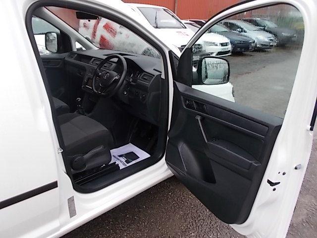 2017 Volkswagen Caddy  2.0 102PS BLUEMOTION TECH 102 STARTLINE EURO 6 (GL67TXO) Image 13