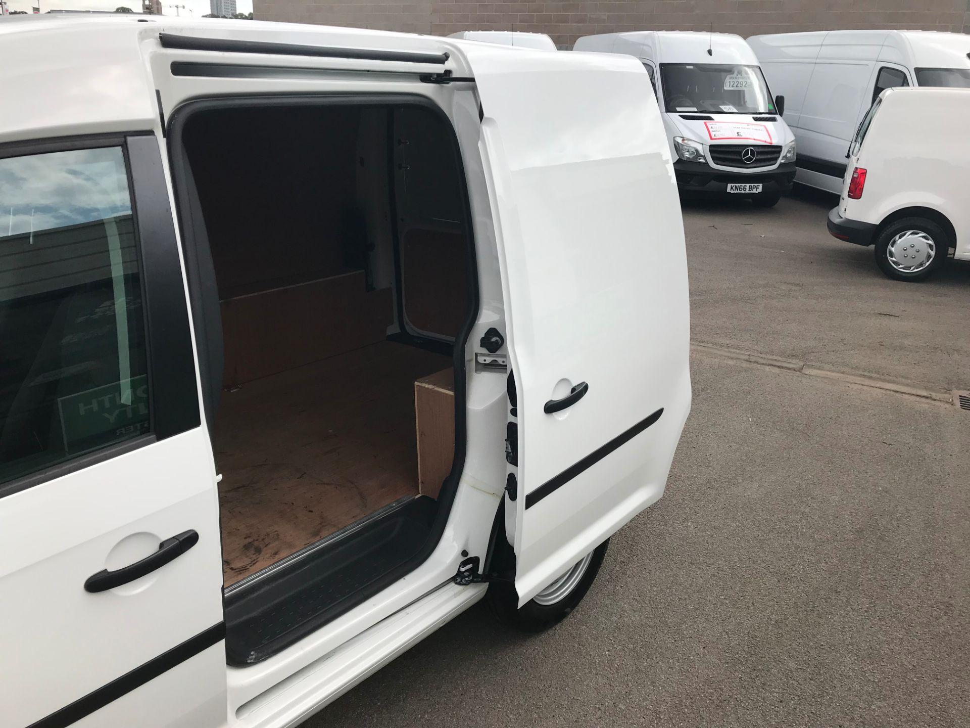 2017 Volkswagen Caddy  2.0 102PS BLUEMOTION TECH 102 STARTLINE EURO 6 (GL67TYD) Image 9