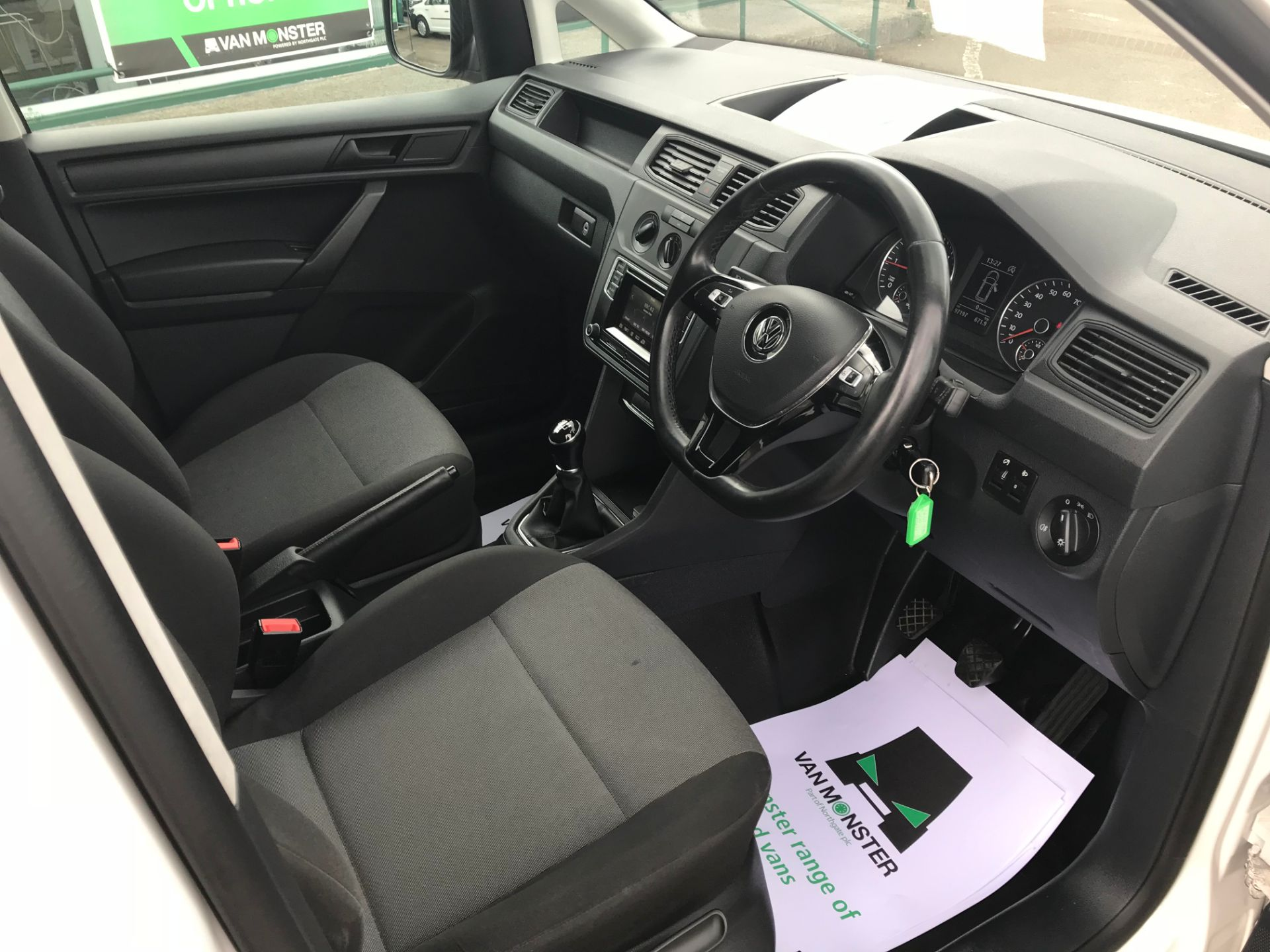 2017 Volkswagen Caddy  2.0 102PS BLUEMOTION TECH 102 STARTLINE EURO 6 (GL67TYD) Image 12