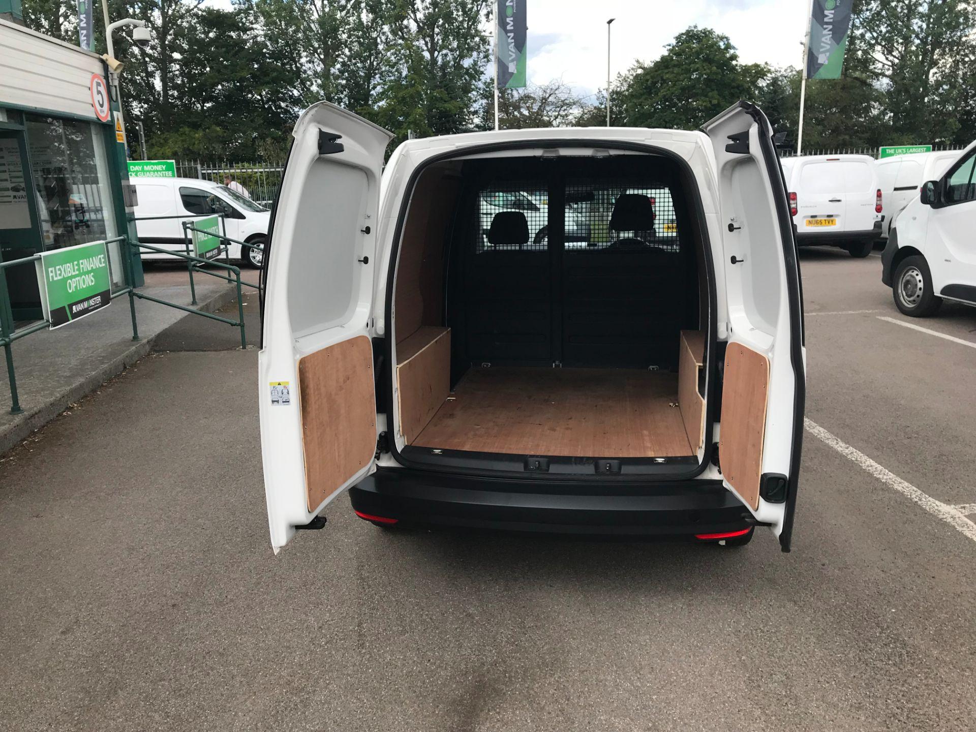 2017 Volkswagen Caddy  2.0 102PS BLUEMOTION TECH 102 STARTLINE EURO 6 (GL67TYD) Image 10