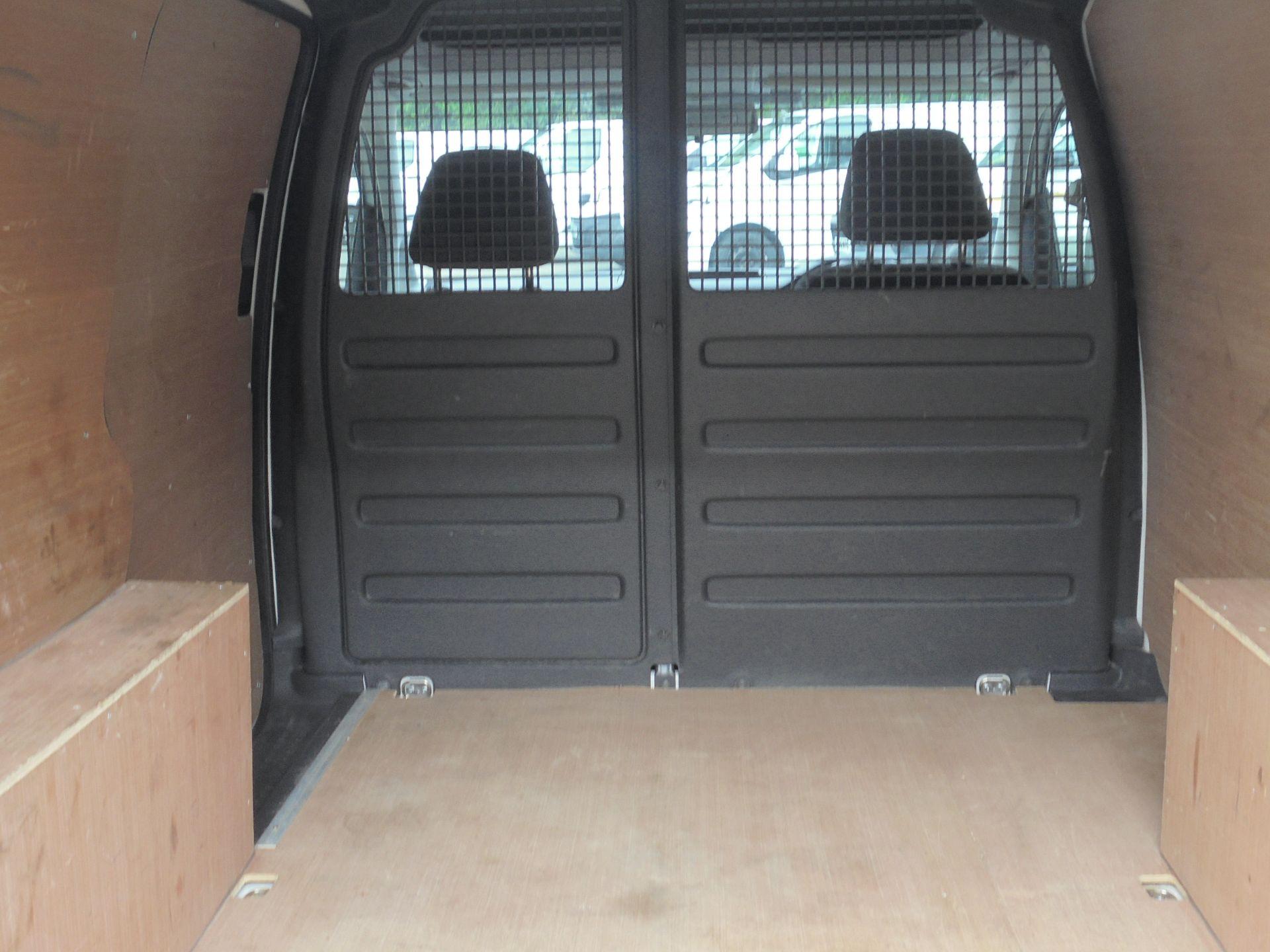 2017 Volkswagen Caddy 2.0 Tdi Bluemotion Tech 102Ps Startline Van (GL67TZA) Image 10