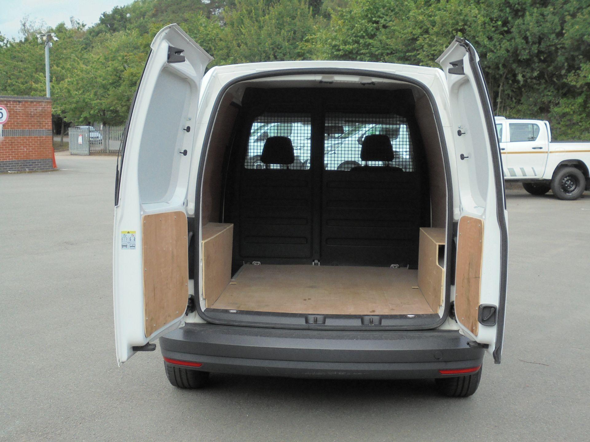 2017 Volkswagen Caddy 2.0 Tdi Bluemotion Tech 102Ps Startline Van (GL67TZA) Image 9