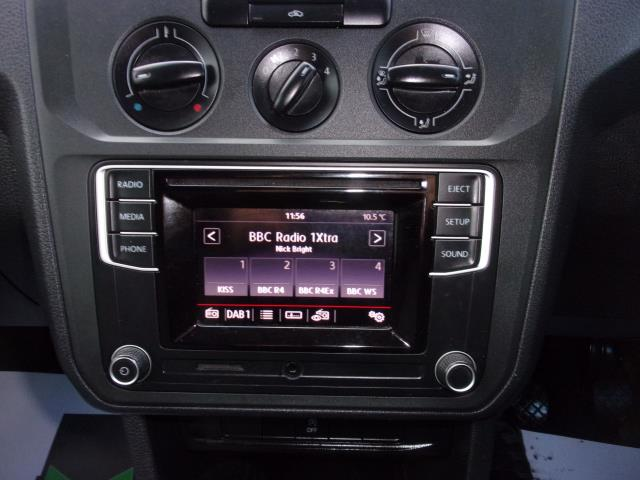 2017 Volkswagen Caddy C20 2.0 TDI 102PS BMT STARTLINE VAN EURO 6 (GL67ZYN) Image 3
