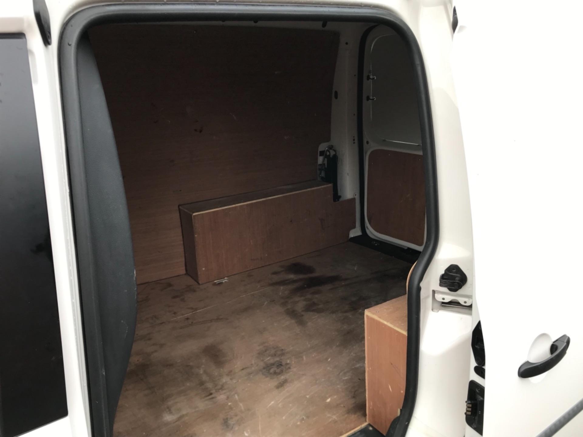 2017 Volkswagen Caddy 2.0 Tdi Bluemotion Tech 102Ps Startline Van EURO 6 (GL67ZZW) Image 29