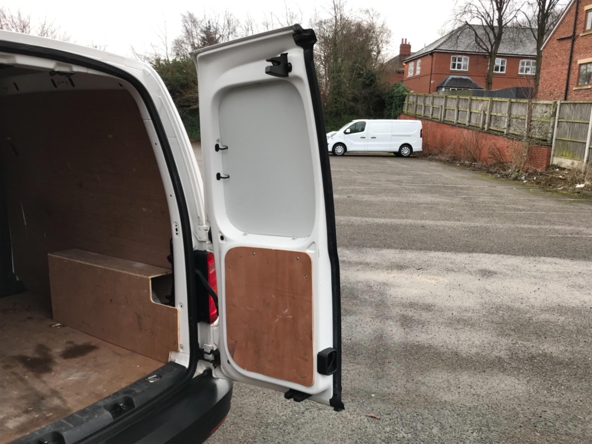 2017 Volkswagen Caddy 2.0 Tdi Bluemotion Tech 102Ps Startline Van EURO 6 (GL67ZZW) Image 37