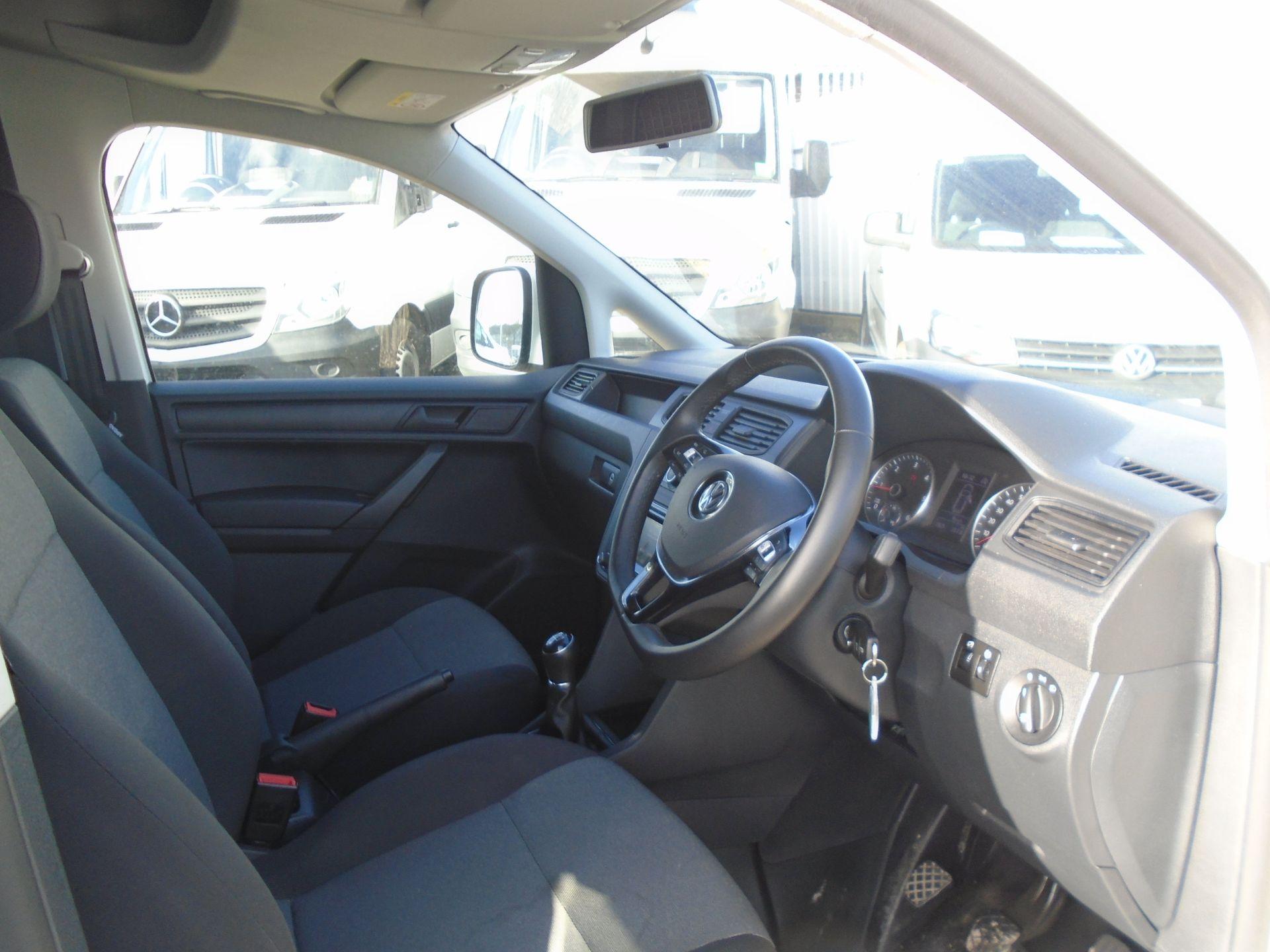 2018 Volkswagen Caddy 2.0 Tdi Bluemotion Tech 102Ps Trendline [Ac] Van (GL68AKF) Image 17
