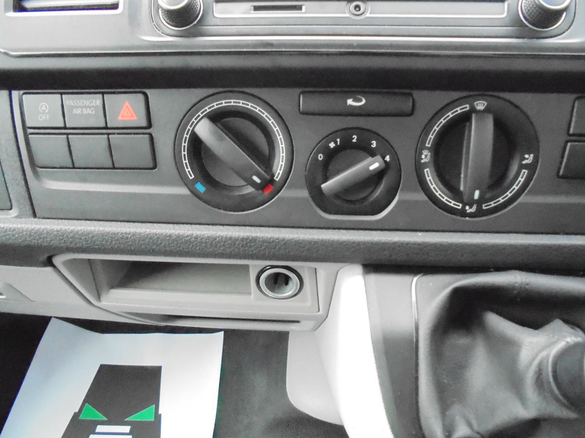 2018 Volkswagen Transporter T28 SWB 2.0 TDI 102PS EURO 6 (GL68LFD) Image 22