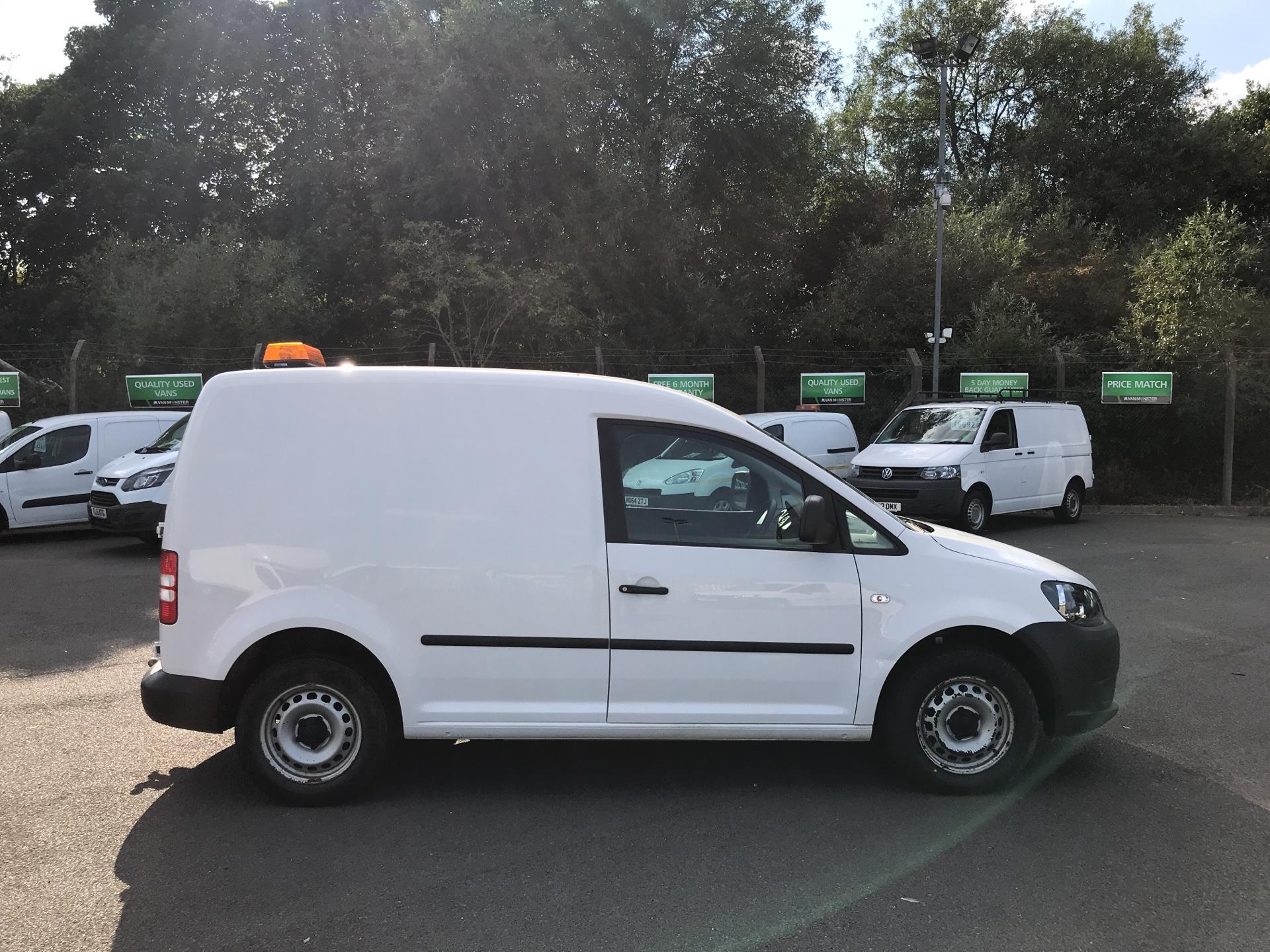 2015 Volkswagen Caddy  1.6 102PS STARTLINE EURO 5  *VALUE RANGE VEHICLE - CONDITION REFLECTED IN PRICE*  (GM15VLN) Image 2