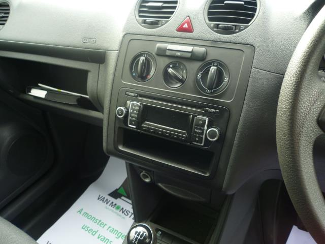 2015 Volkswagen Caddy  L1 H1 1.6 TDi 102PS STARTLINE VAN EURO 5 (GM15ZUC) Image 20