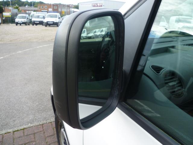 2015 Volkswagen Caddy  L1 H1 1.6 TDi 102PS STARTLINE VAN EURO 5 (GM15ZUC) Image 11