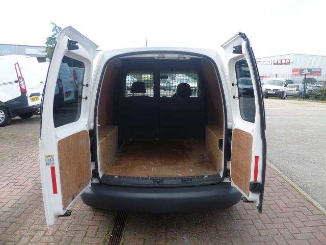 2015 Volkswagen Caddy  L1 H1 1.6 TDi 102PS STARTLINE VAN EURO 5 (GM15ZUC) Image 7