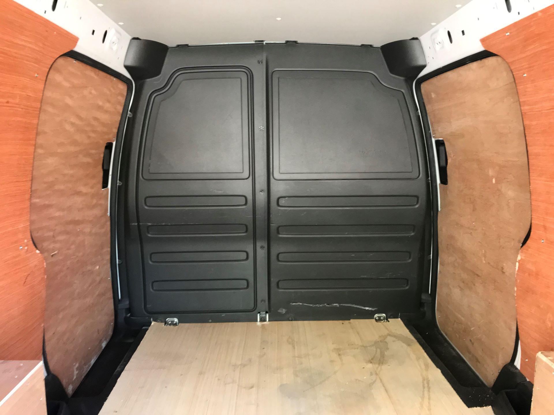 2016 Volkswagen Caddy Maxi  2.0 102PS BLUEMOTION TECH 102 STARTLINE EURO 6 (GM16UZV) Image 14