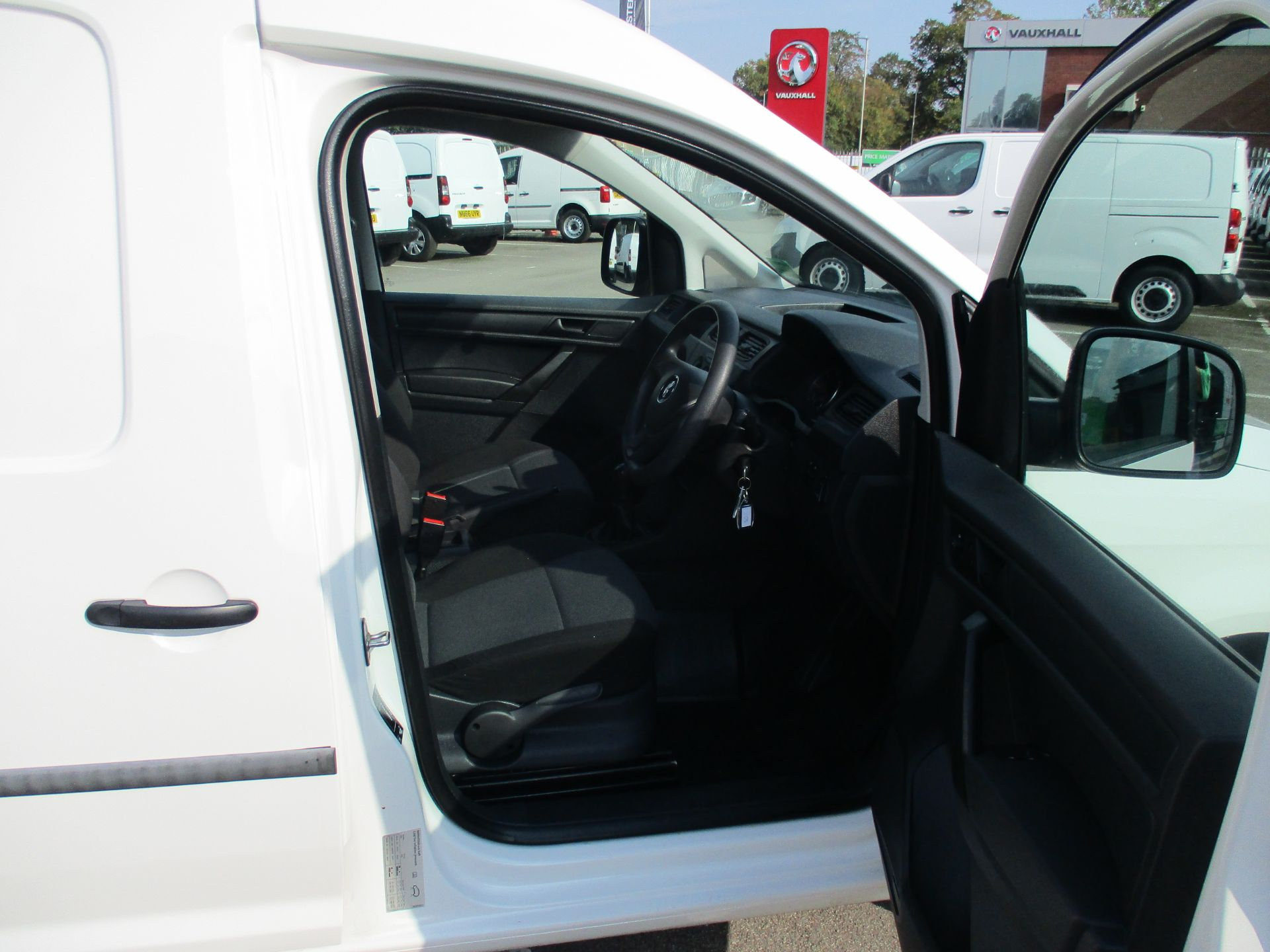 2017 Volkswagen Caddy Maxi 2.0 Tdi Bluemotion Tech 102Ps Startline Van (GM17AUK) Image 12