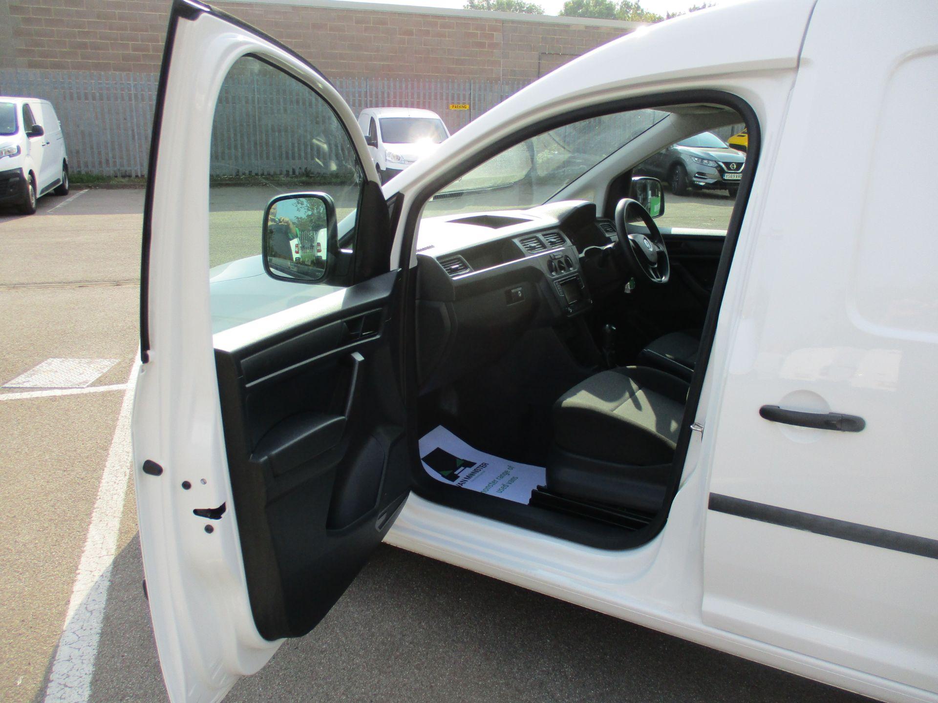 2017 Volkswagen Caddy Maxi 2.0 Tdi Bluemotion Tech 102Ps Startline Van (GM17AUK) Image 13