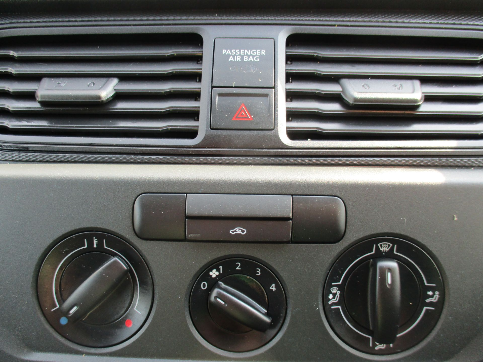 2017 Volkswagen Caddy Maxi 2.0 Tdi Bluemotion Tech 102Ps Startline Van (GM17AUK) Image 22