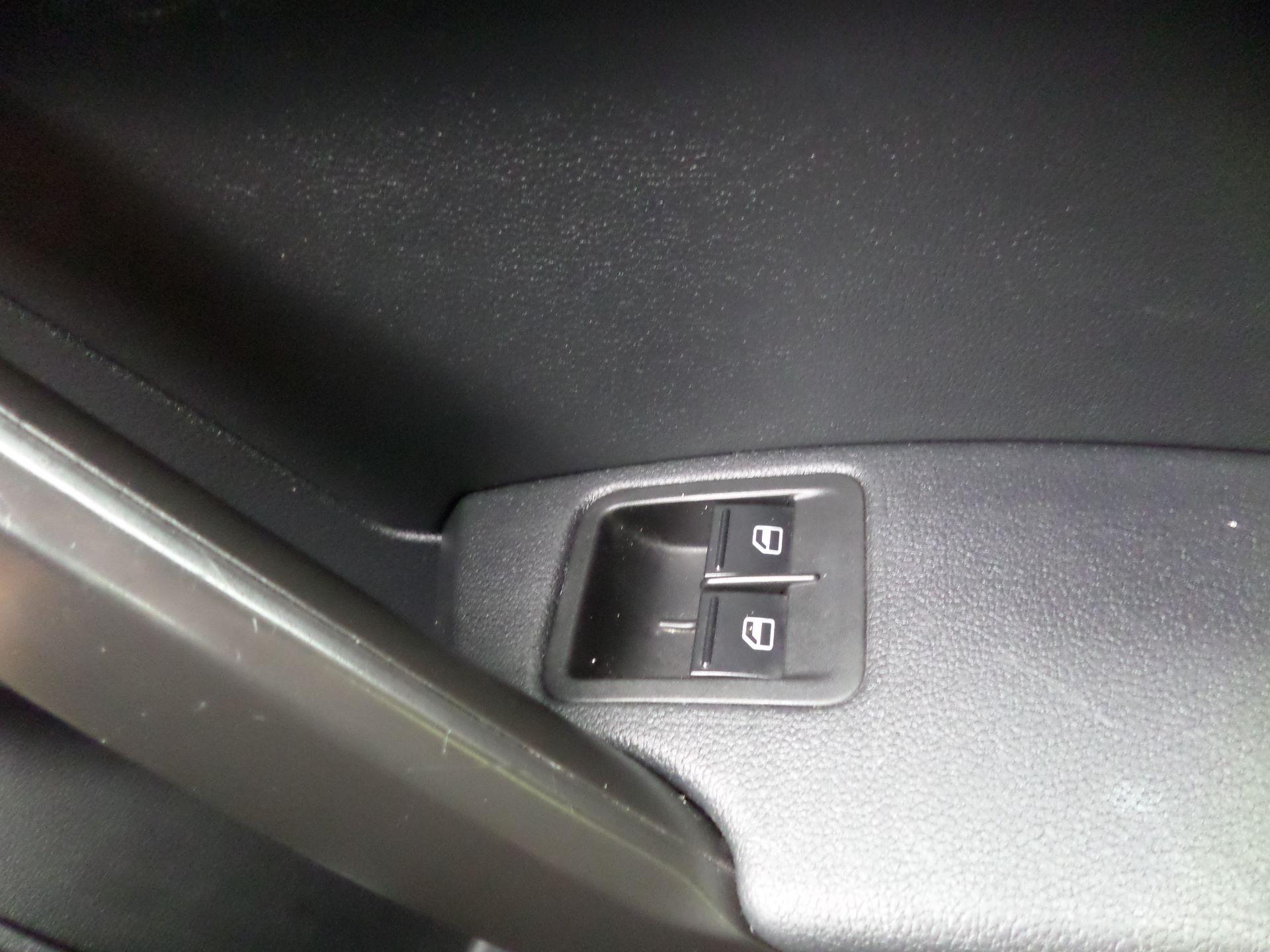 2017 Volkswagen Caddy 2.0 Tdi Bluemotion Tech 102Ps Startline Van Euro 6 (GM17OEP) Image 15