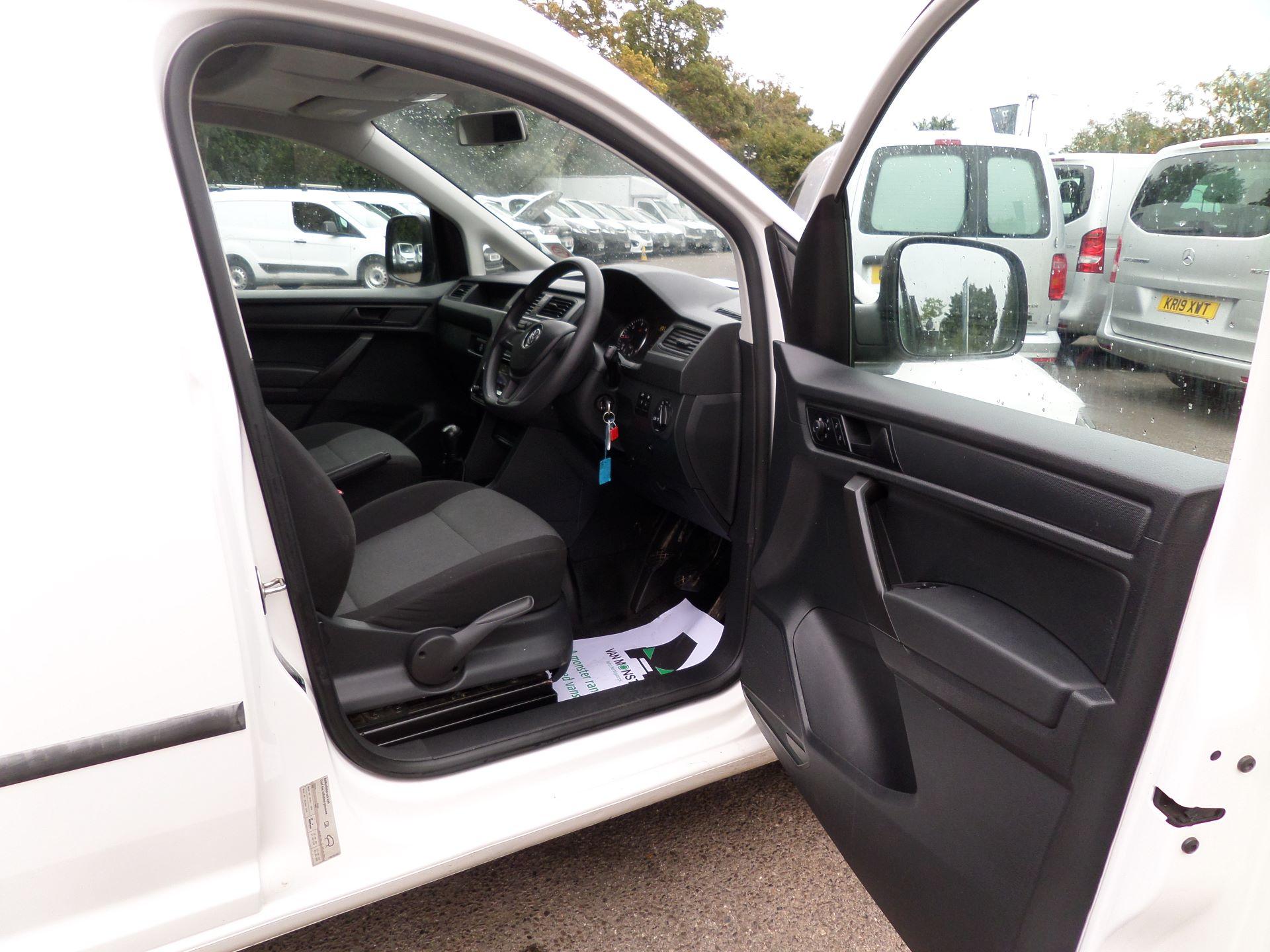 2017 Volkswagen Caddy 2.0 Tdi Bluemotion Tech 102Ps Startline Van Euro 6 (GM17OEP) Image 11