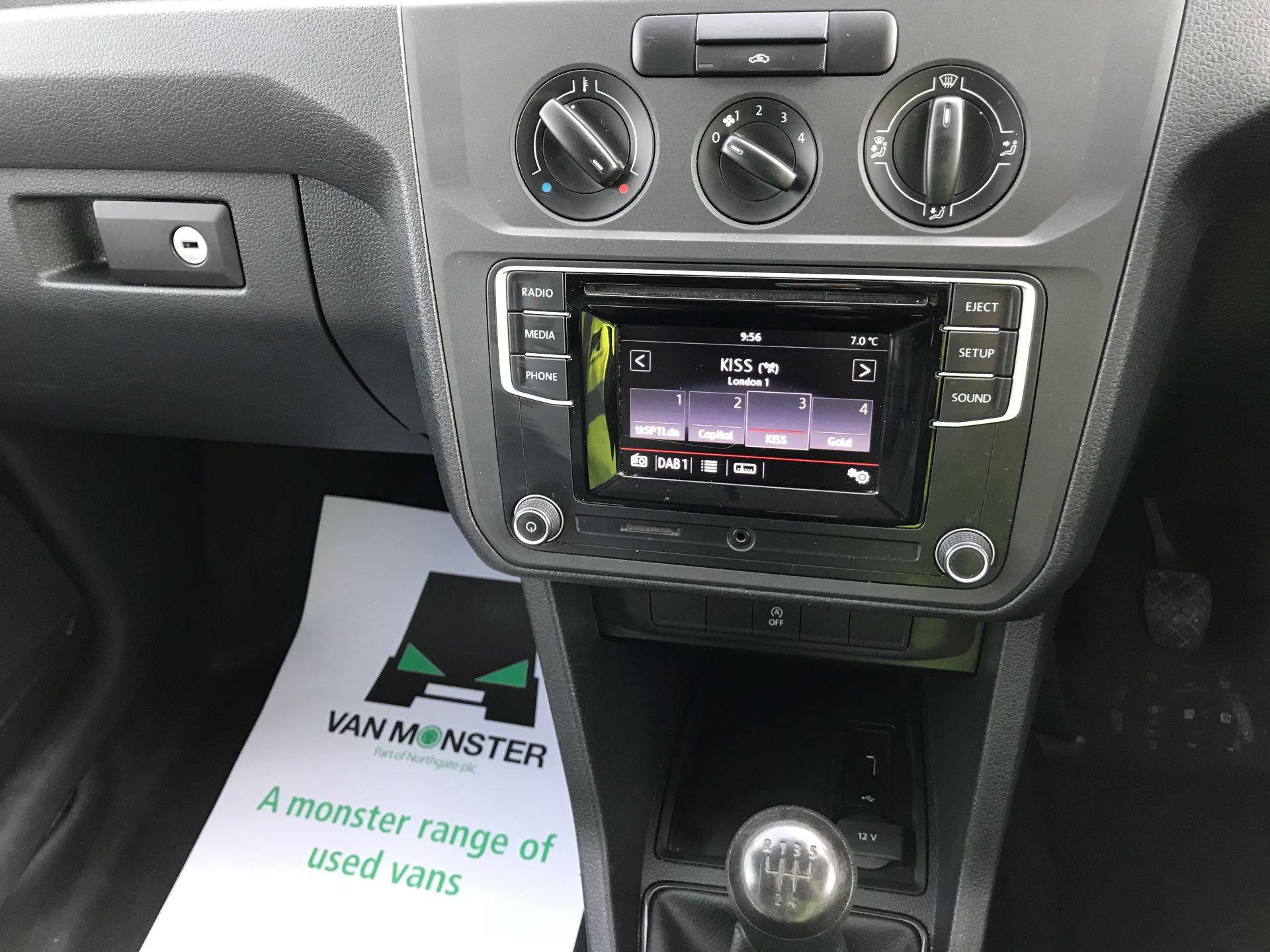 2017 Volkswagen Caddy Maxi  2.0 102PS BLUEMOTION TECH 102 STARTLINE EURO 6 (GM17OFX) Image 27