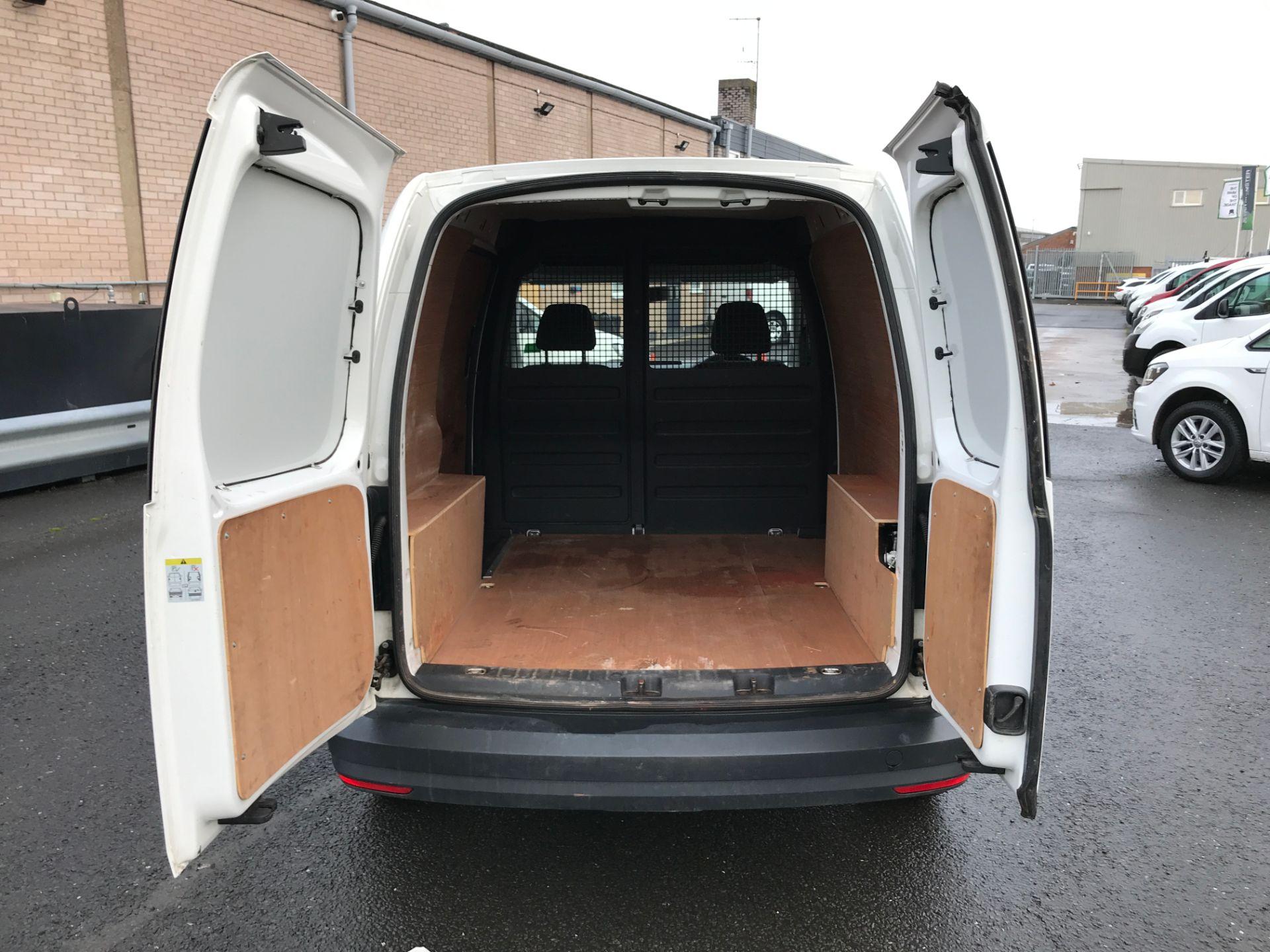 2017 Volkswagen Caddy 2.0TDI 102PS BLUEMOTION TECH STARTLINE EURO 6 (GM17SFE) Image 16