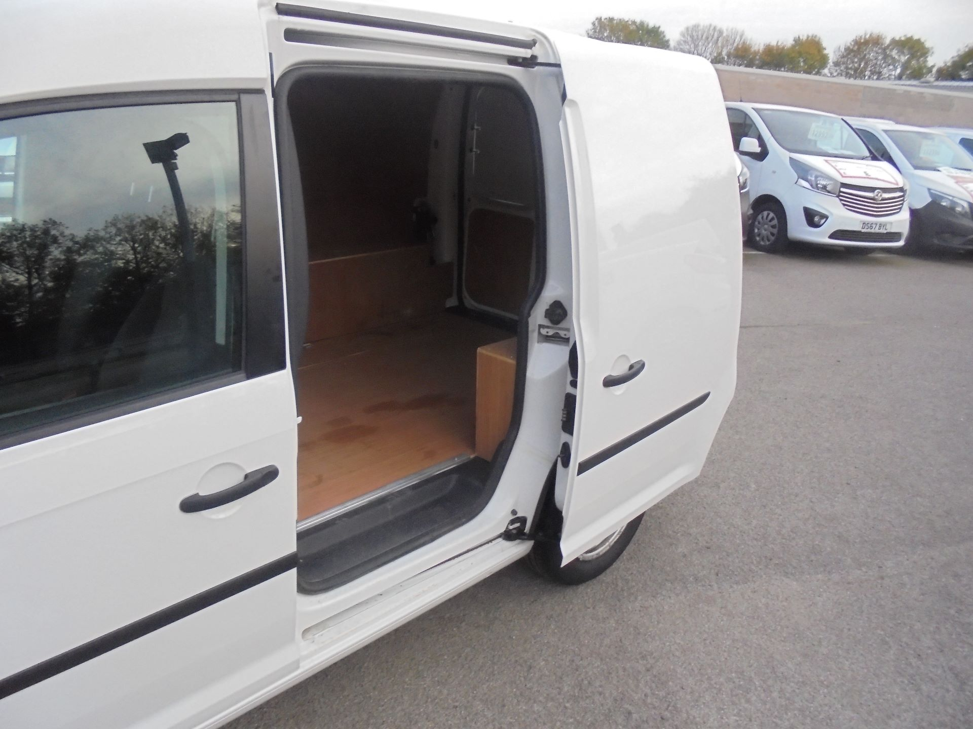 2017 Volkswagen Caddy 2.0 102PS BLUEMOTION TECH 102PS STARTLINE EURO 6 (GM17SFF) Image 8