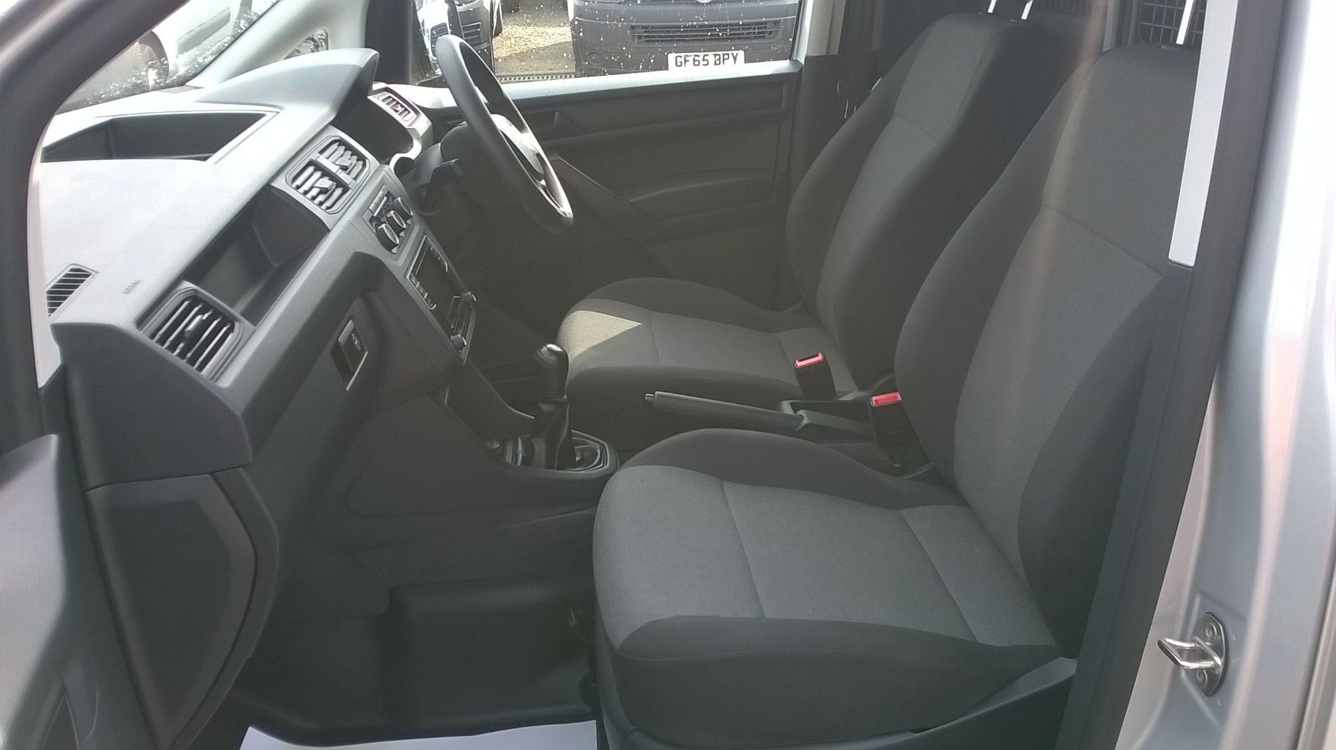2017 Volkswagen Caddy 2.0 TDI BLUEMOTION TECH 102PS STARTLINE EURO 6 (GM17SFK) Image 8