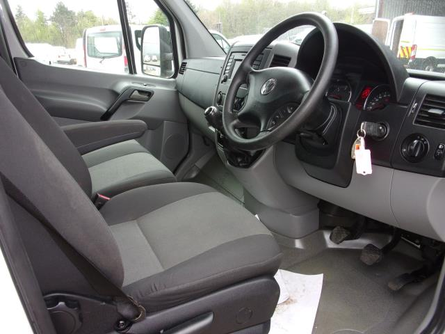 2017 Volkswagen Crafter CR35 LWB 2.0 Tdi Bmt 140Ps Luton with Tail Lift  (GM17SHV) Image 2