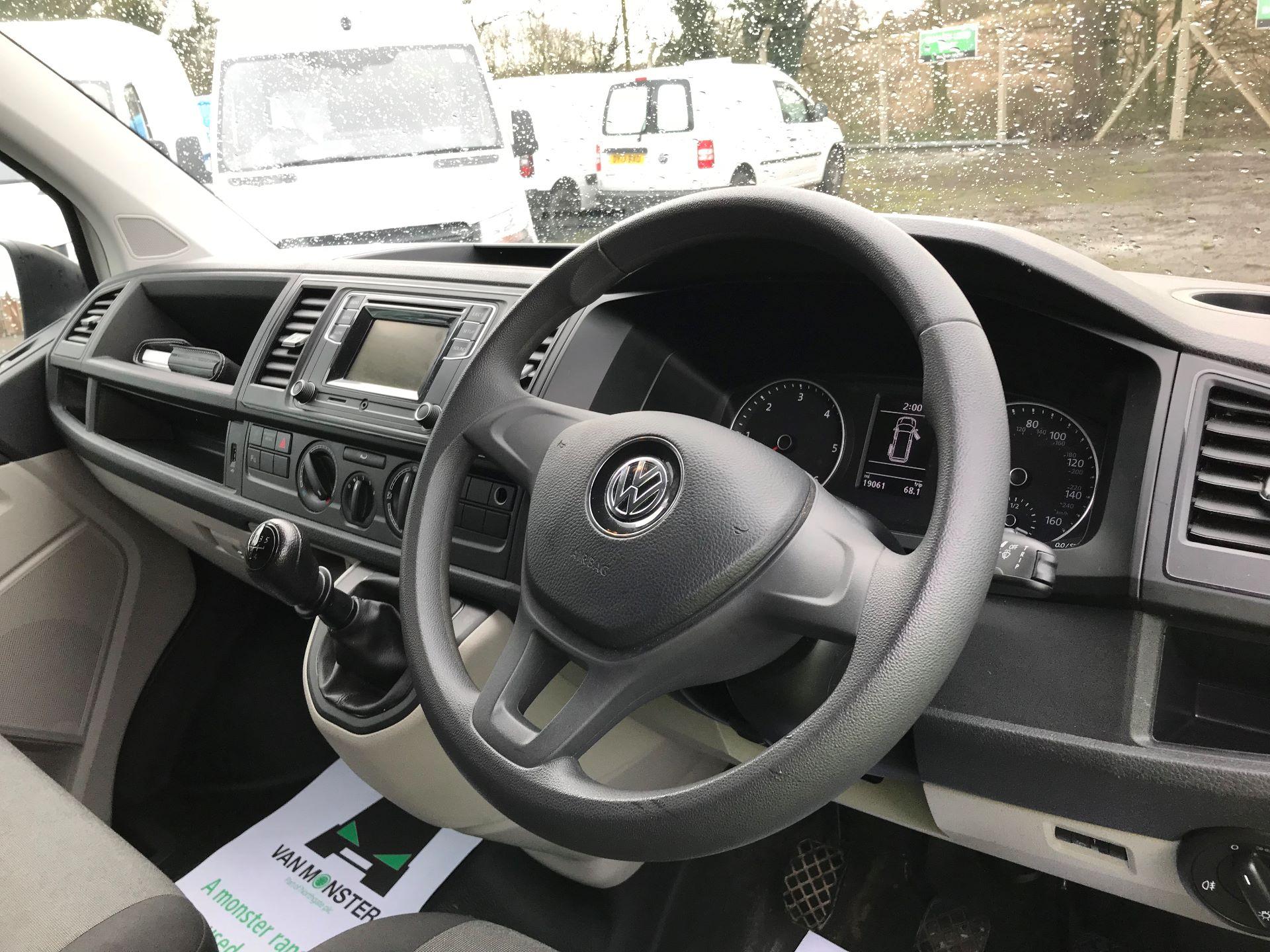 2018 Volkswagen Transporter 2.0 TDI BMT 102 STARTLINE EURO 6 (GM18KWN) Image 16