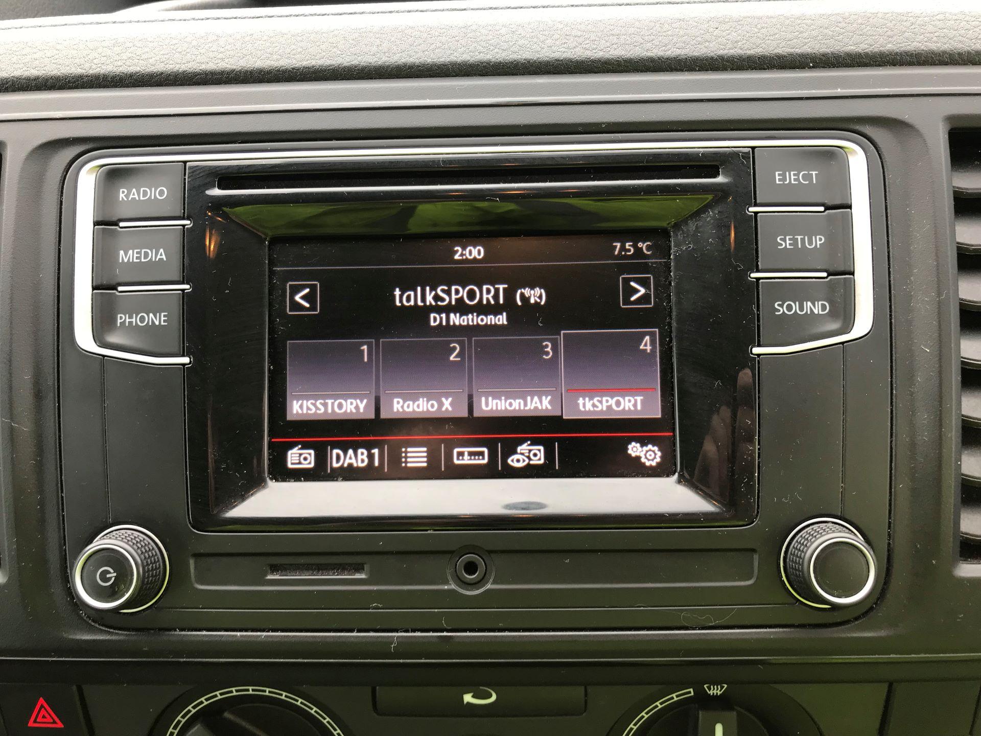 2018 Volkswagen Transporter 2.0 TDI BMT 102 STARTLINE EURO 6 (GM18KWN) Image 19
